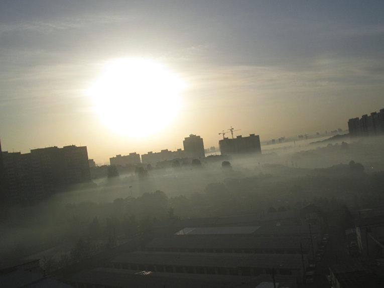 Смог и дым на Мостицким массивом в Киеве