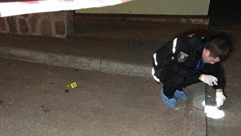 Эксперт на месте взрыва в Подольском районе Киева, в результате которого погиб мужчина