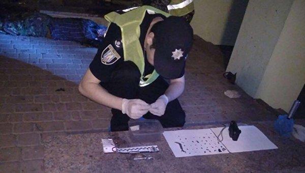 Работы правоохранителей на мест взрыва в Киеве