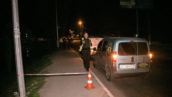 Полиция на месте взрыва гранаты в Киеве