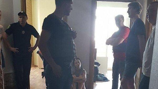 В Харькове сотрудники СБУ задержали группу молодых людей, которые избили в Киеве участника АТО