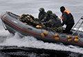 Бойцы спецподразделения Пограничного управления ФСБ России проводят учения. Архивное фото