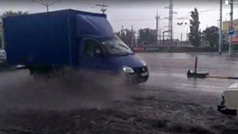 Улицы Кременчуга затопило после града с ливнем