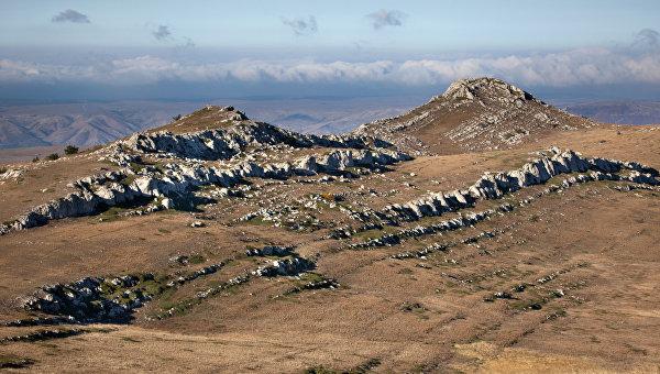 Вид на верхнее плато горы Чатыр-Даг. Архивное фото