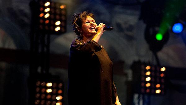 Певица Моран