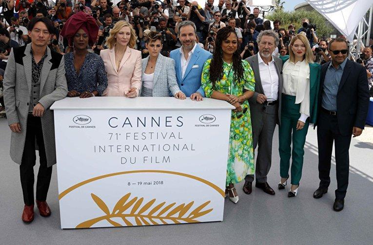 Члены жюри Каннского фестиваля на фотоколе