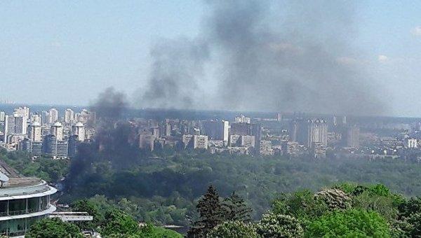 Пожар в Гидропарке в Киеве