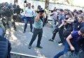 Столкновения под домом Левочкина