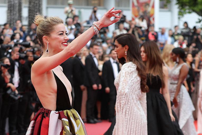 Актриса Эмбер Херд на красной дорожке в Каннах