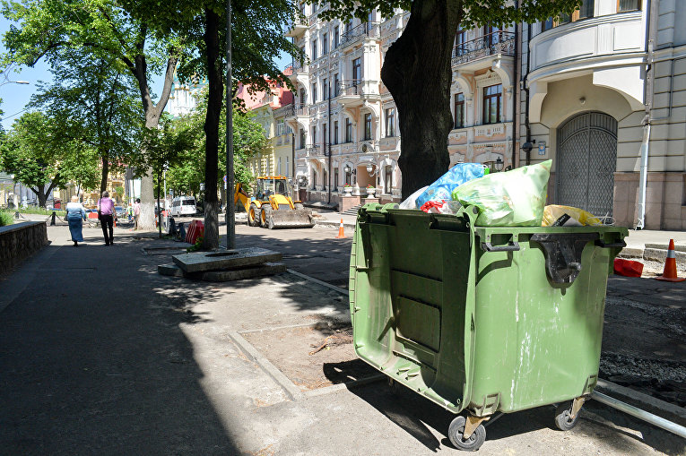 Мусор в центре Киева