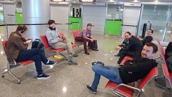 Украинские пограничники не впустили группу российских IT-специалистов, прилетевших на игровую конференцию