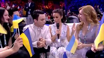 Melovin укусил ведущую Евровидения. Видео