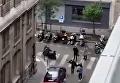 Момент нападения на прохожих в Париже