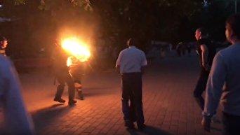 В центре Луцка мужчина поджег себя во время концерта ко Дню матери