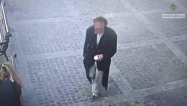 Полиция задержала вора, укравшего бронзовый крест из храма во Львове
