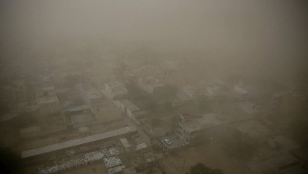 Пылевая буря в Индии