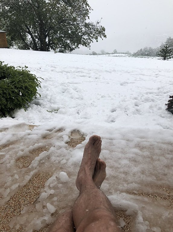 На Францию обрушился аномальный майский снегопад