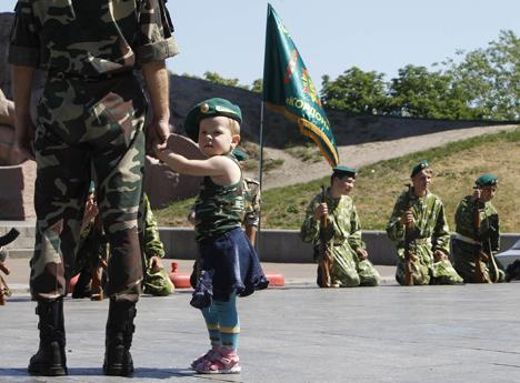 """Яценюк поздравил пограничников с профессиональным праздником: Вы первыми приняли на себя вражеские пули и """"Грады"""" - Цензор.НЕТ 7179"""