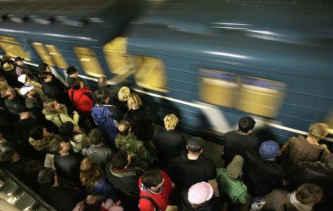То, что метро - это гиблое место я поняла сразу, как только переехала в Москву.  Хотя найдутся миллион людей...