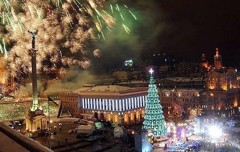 Новый год рок концертом и фейерверком