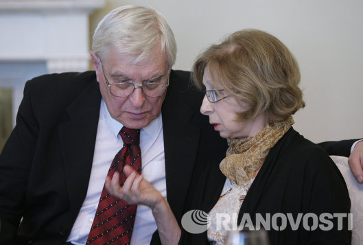 Актеры Олег Басилашвили и Лия Ахеджакова
