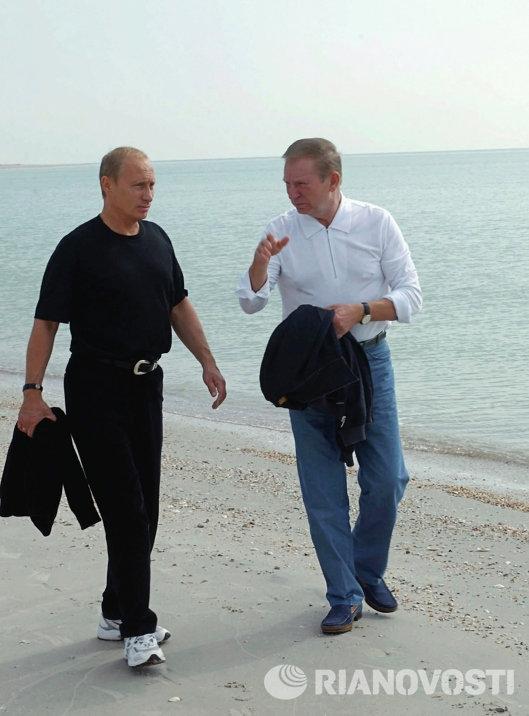 Встреча В.Путина и Л.Кучмы на острове Бирючий в Азовском море