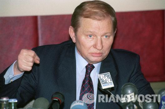 Президент Украины Леонид Кучма на пресс-конференции в РИА Новости