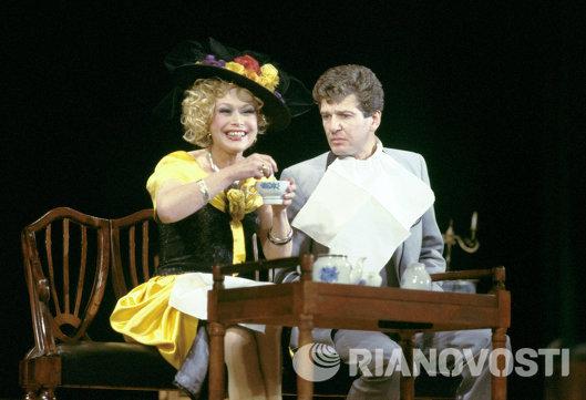 Актеры Светлана Владимировна Немоляева и Игорь Матвеевич Костолевский