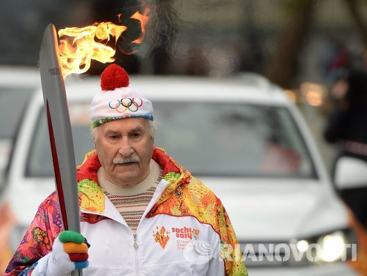 Эстафета Олимпийского огня. Москва. Актер Владимир Зельдин