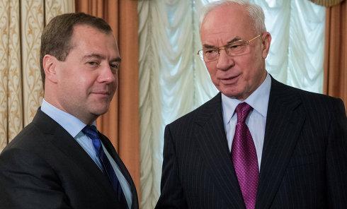 Премьеры Дмитрий Медведев и Николай Азаров