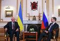 Дмитрий Медведев и Николай Азаров на заседании Совета глав правительств СНГ