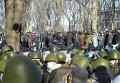 Сторонники власти и оппозиции по разные стороны баррикад
