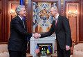 Заместитель госсекретаря США Уильям Бернс и глава фракции Батькивщина в Верховной Раде Арсений Яценюк
