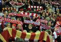 Болельщики футбольного клуба Ливерпуль