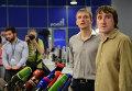 Репортеры LifeNews Олег Сидякин (слева) и Марат Сайченко