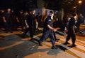 Солдаты-милиционеры покидают воинскую часть в Луганске