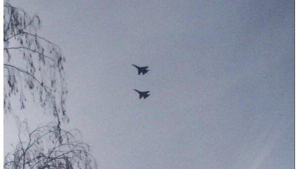 Украинские самолеты наносят ракетные удары