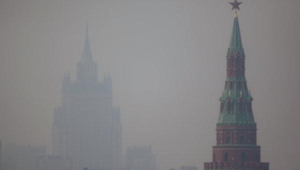 Вид на МИД РФ и Кремль