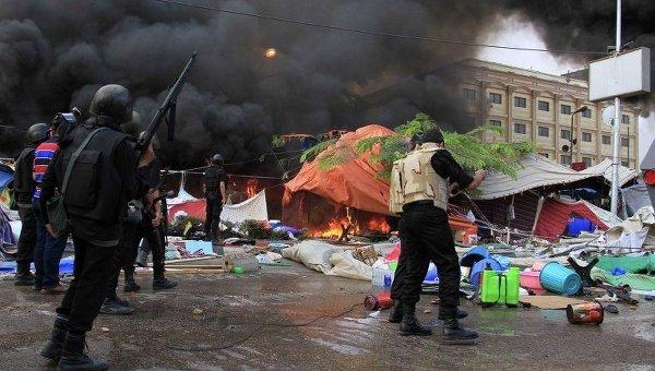 Разгон сторонников Мохамеда Мурси на площади Рабиа аль-Адавийя в Каире