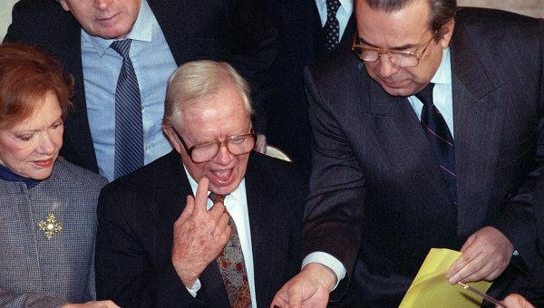 Джимми Картер (в центре). Архивное фото