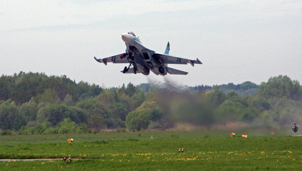ВКрыму впроцессе военных учений проверили боеготовность истребителей Су-27
