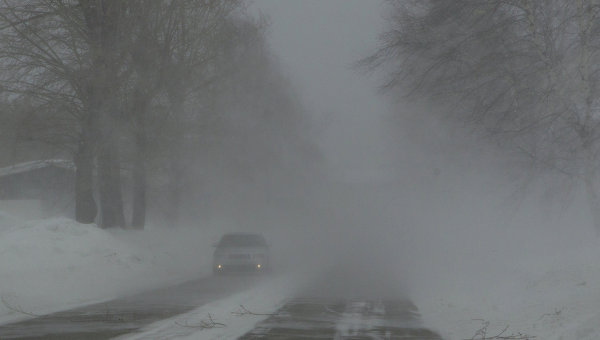 Сильный снегопад. Архивное фото