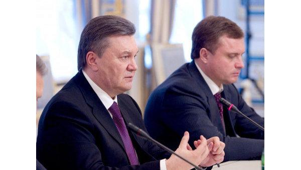 Виктор Янукович и экс-глава администрации президента Сергей Левочкин