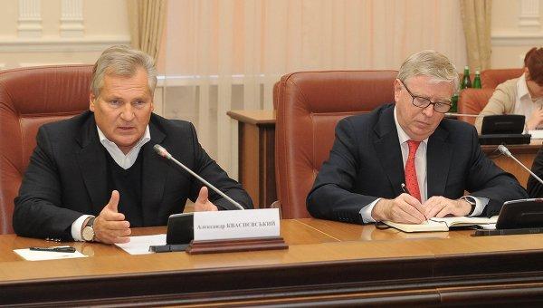 Руководители миссии ЕП Пэт Кокс и Александр Квасьневский