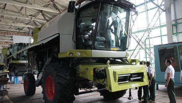 Херсонский машиностроительный завод - презентация первого зерноуборочного комбайна Tucano-440