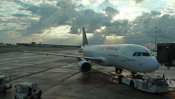 Римский аэропорт Фьюмичино - самолет аэробус А320