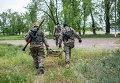 Бойцы народного ополчения в Славянске