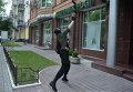 Неизвестные в масках разгромили отделение Сбербанка России в Киеве