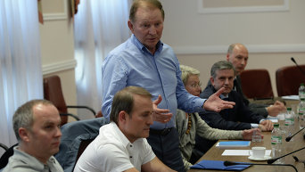 Заседание Л.Кучмы, В. Медведчука, Н.Шуфрича, М.Зурабова и Х.Тальявини