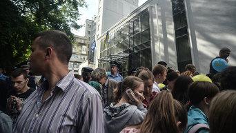 Пикетирование редакции газеты Вести